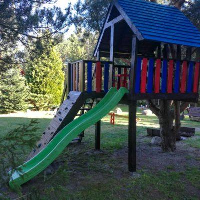 Domek na drzewie dla dzieci
